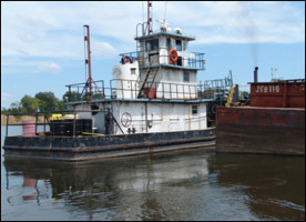 twin-screw-towboat-700-hp